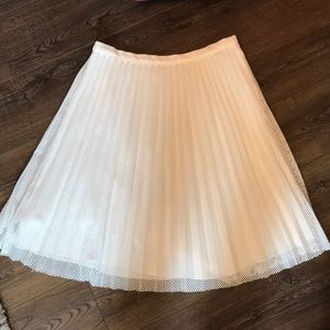 Calvin Klein white pleated skirt size 8